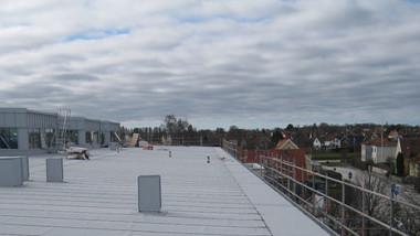 Vitt tak sänker energiförbrukning för Visbyskola