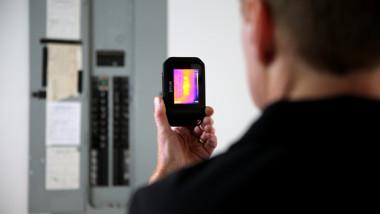 FLIR Systems lanserar C2, en kompakt och kompetent värmekamera