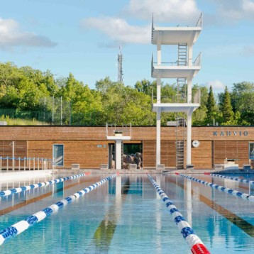 Outdoor Olympic-sized swimming pool restored to former glory with Kebony cladding