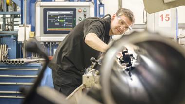 Intelligent frekvensomriktare ökar säkerheten för maskiner