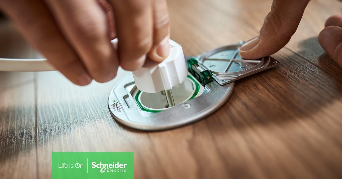 Extremt tåliga golvuttag från Schneider Electric nu i butik