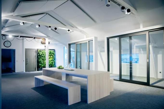 Nytt showroom med stark profil och lika delar autenticitet och exklusiv touch