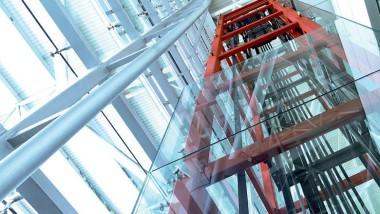 Spar energi med rätt hissteknik