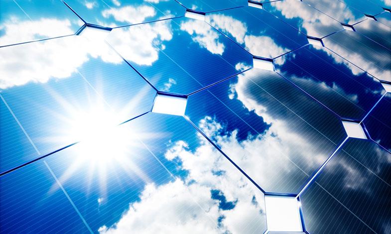 Ny forskning ska ge starkare och tunnare glas i solceller