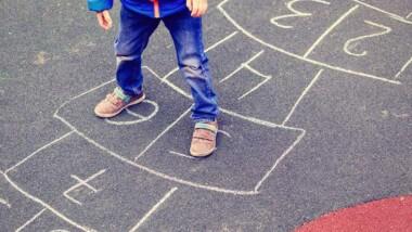 Höga halter av mikroplaster vid lekplatser med gjutet gummi