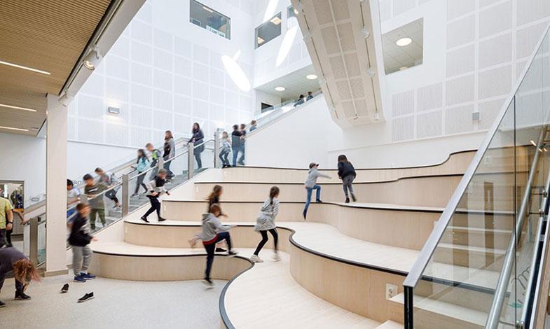 Bostadshus i trä och nybyggd skola tävlar om arkitekturpris